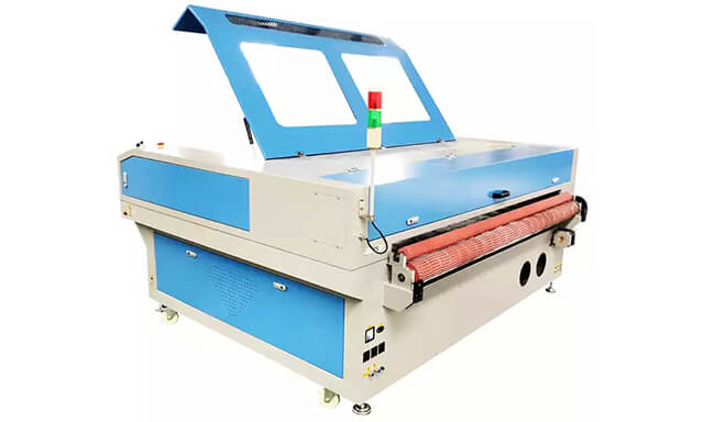 automatic-fabric-laser-cutting-machine-AMO1610A