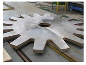 thick-carbon-steel-fiber-laser-cutting