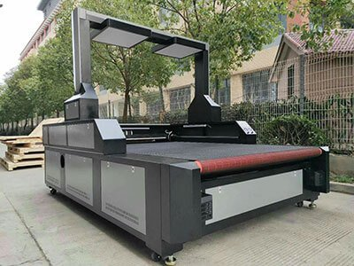 How to choose large format visual CCD laser cutting machine for sublimation digital printed fabric cutting