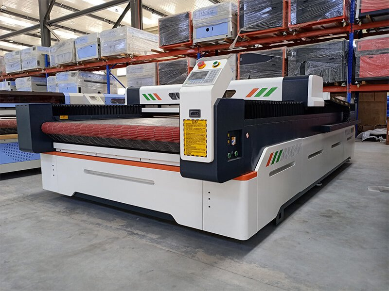 garment-laser-cutting-machine