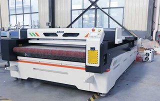 AMOR1630-laser-fabric-cutting-machine-sent-to-South-America-(New-Model)